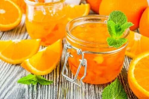 Miten valmistaa appelsiinimarmeladia?