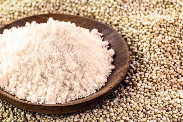 Kvinoasta voi valmistaa jauhoa