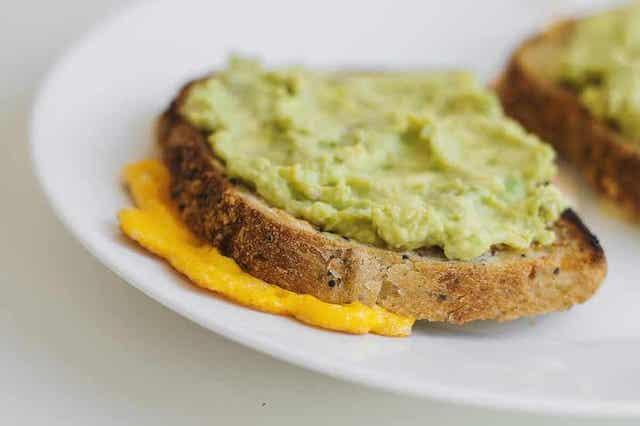Kvinoaleipä sopii nautittavaksi kasvissoseiden kanssa.