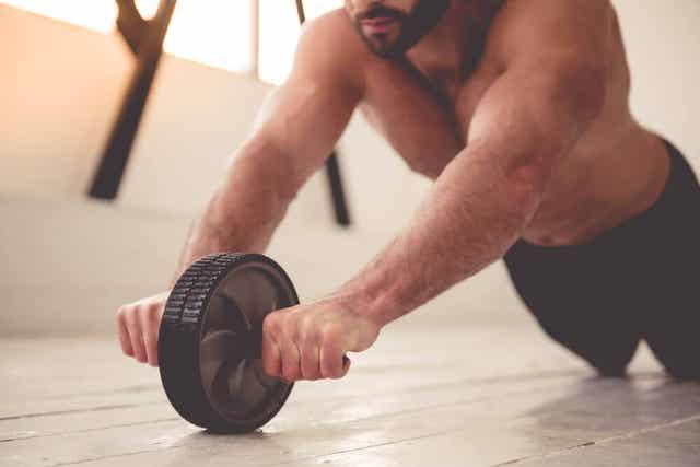 Liikunnan harrastaminen ja muutoinkin terveet elämäntavat ovat muutamia vinkkejä erektiohäiriön ehkäisyyn