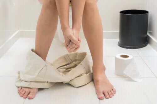 Mistä rasvainen uloste johtuu ja miten sitä ehkäistään?
