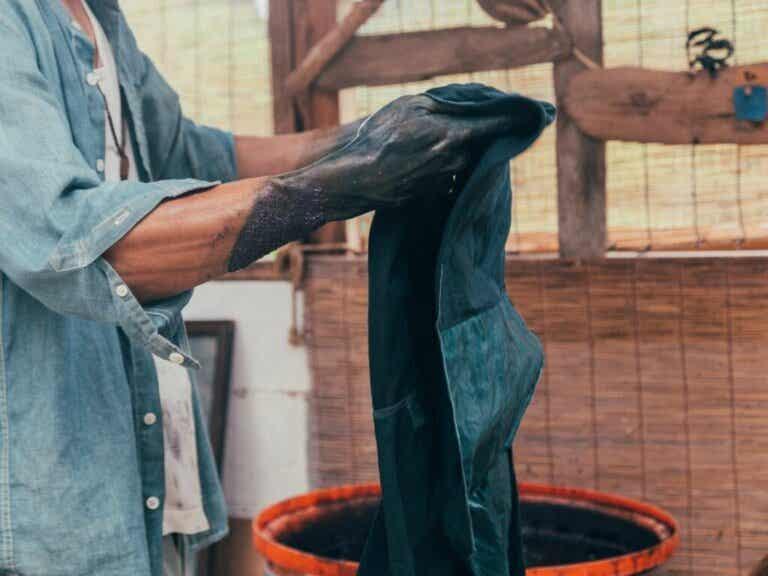 4 vinkkiä vaatteiden värjäämiseen kotona